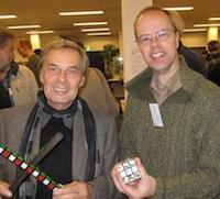 На фото: Эрно Рубик (слева) и Оскар ван Девентер (справа).